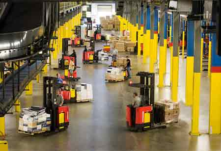 How Do Businesses Make the Most of Material Handling Equipment?