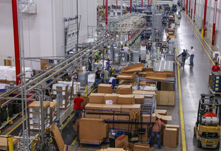 How Information Technology Impacts the Global Manufacturing Industry
